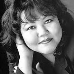 Lois-Ann Yamanaka, Polynesian American author from Hawaii on andreareadsamerica.com